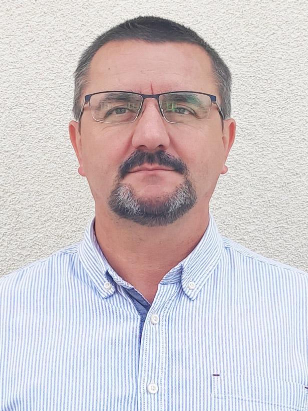 Piotr Czach - kontakt